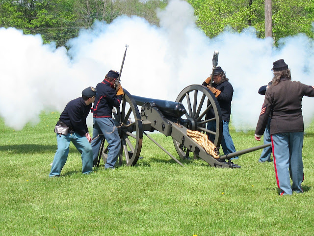 Civil War Reenactors firing cannon image by Wendy Luby from Pixabay