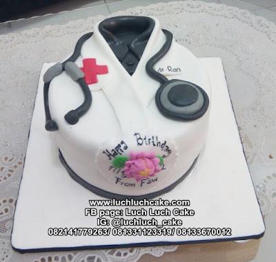 Kue Tart Bentuk Baju Dokter Bulat