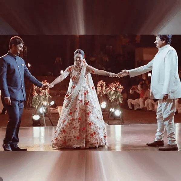Mohena Kumari Singh शाही अंदाज में सेलीब्रेट करती हैं अपने पिता का जन्मदिन, सोशल मीडिया के जरिए दी बधाई