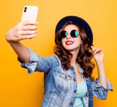 moda dei selfie - foto dalle vacanze,autoscatti
