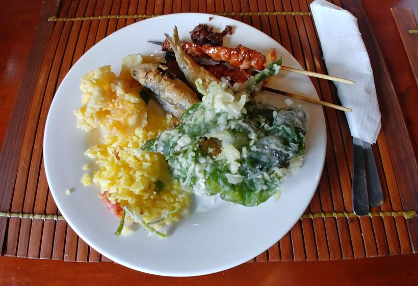 A plate of all the delicious food at RSM Lutong Bahay