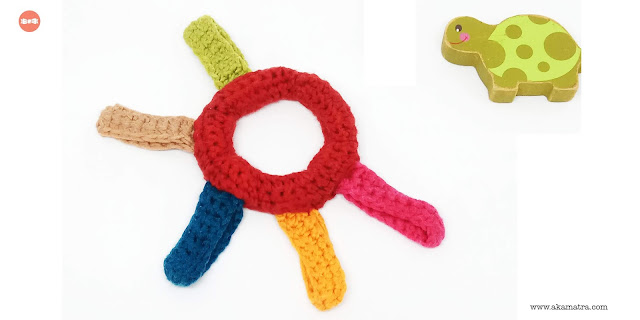 How to make a yarn teether for your baby - Free crochet pattern