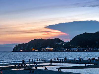 Summer sunset: Yuigahama-beach (Kamakura)