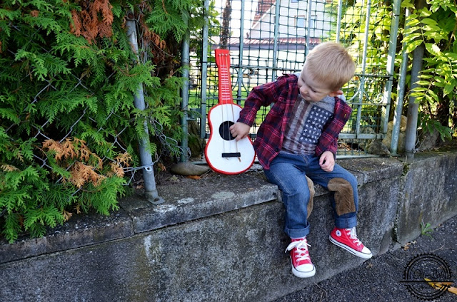 Gitara z kartonu. Krok po kroku