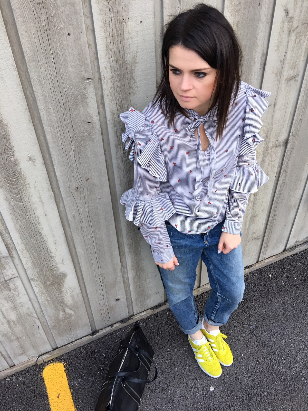 Double ruffle sleeve & lime green sneakers