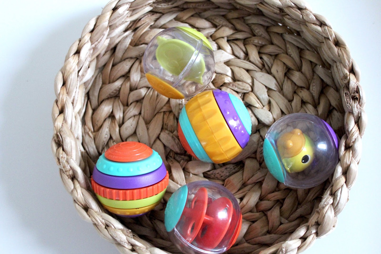 B U L E G A R M Bright Starts Start Your Senses Take And Teethe Yellow I Am Not Really One For Plastic Toys But These Are Definite Exception Basically There 5 Balls Each Of Them Do Different Things
