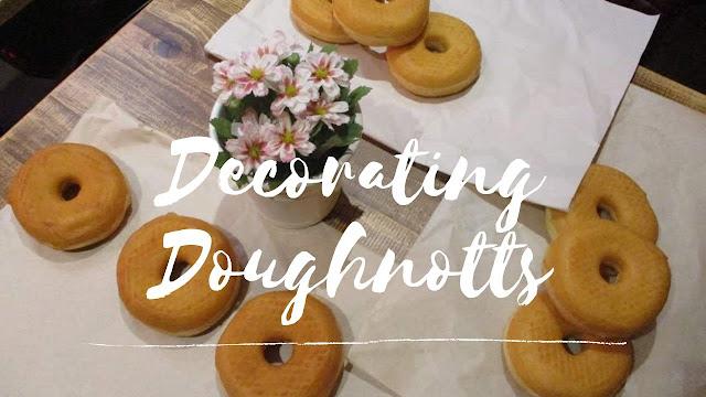Decorating Doughnotts