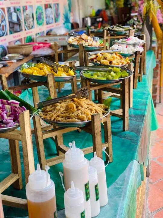 Buffee bánh tại khu ẩm thực làng bột Sa Đéc