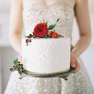 http://www.krisztinawilliams.com/2016/05/simple-white-and-adorned-with-roses.html