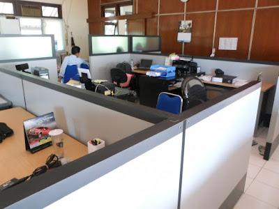 Sekat Kantor + Furniture Semarang ( Sekat Ruang )
