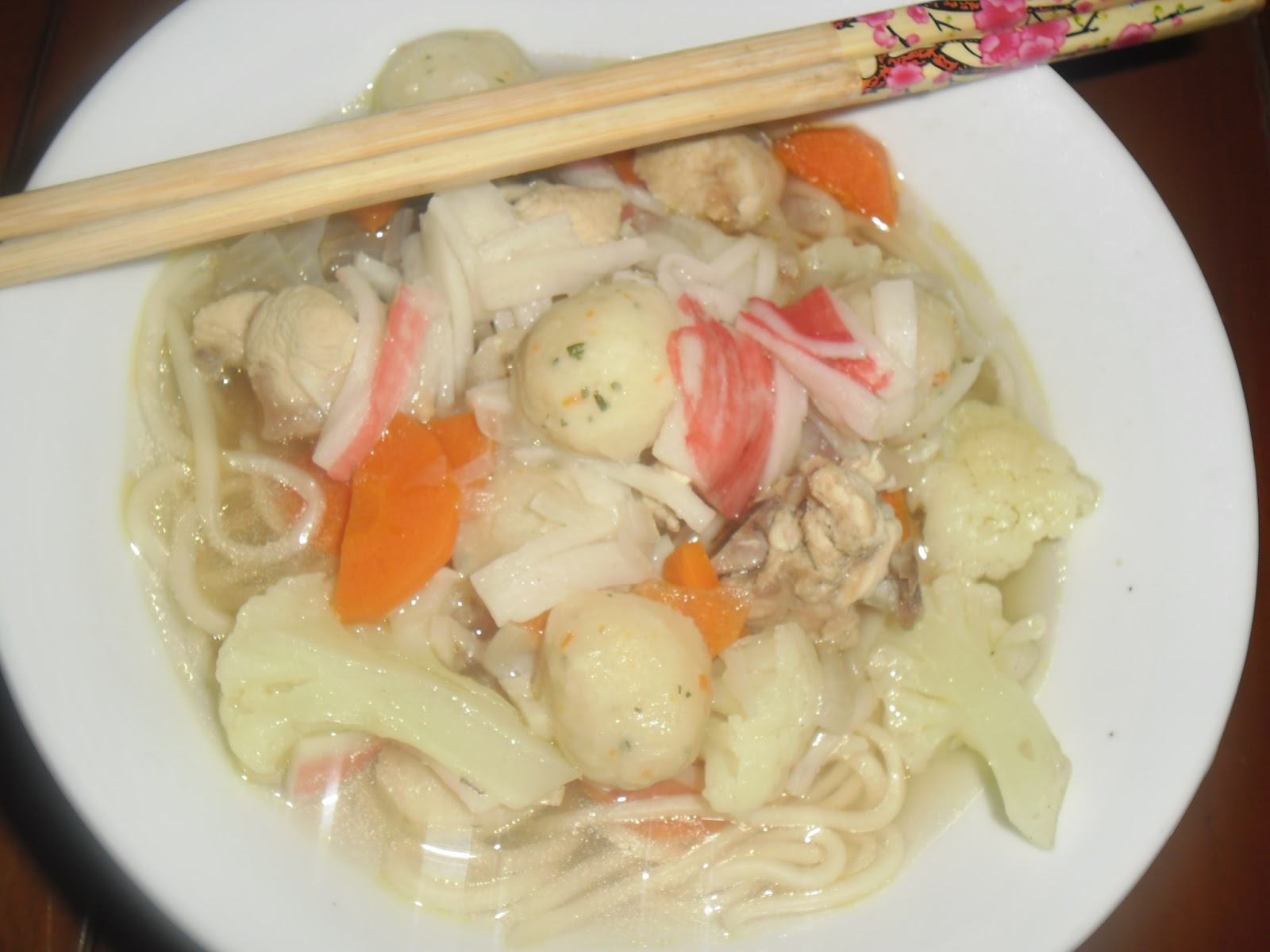 Zalekha Luvs Cooking: Mee Sup Jernih --Versi Mee Siput
