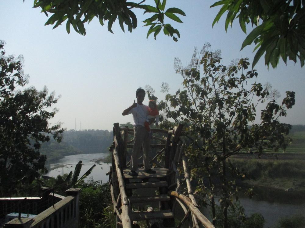 Menara Pantau Sungai Bengawan Solo
