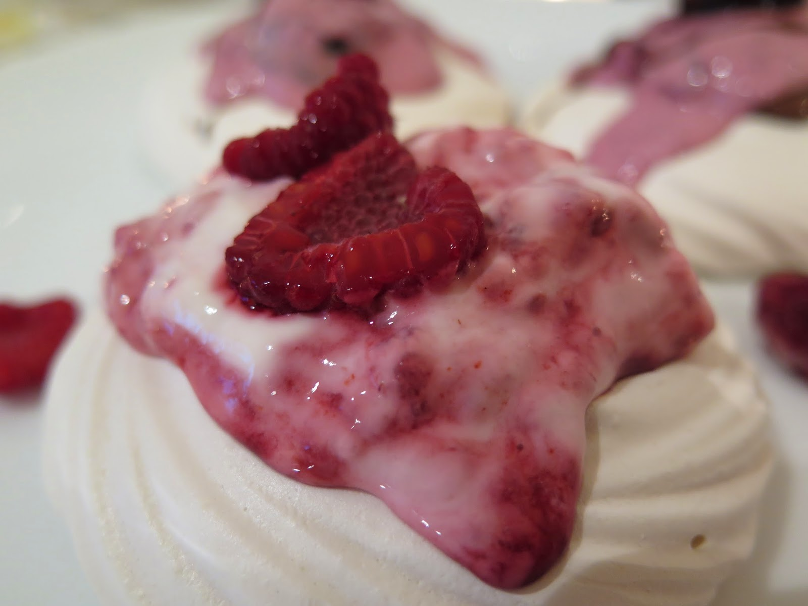 lemon and rasberry meringue dessert