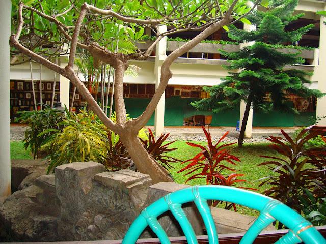 Изображение двора отеля на острове Бали
