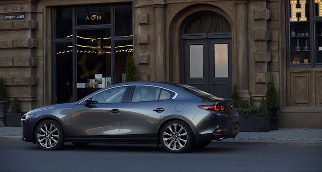 マツダ 新型アクセラ(Mazda3)セダン