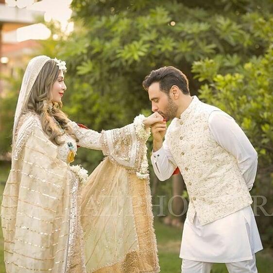 Haroon celebrates Birthday of his wife Farwa