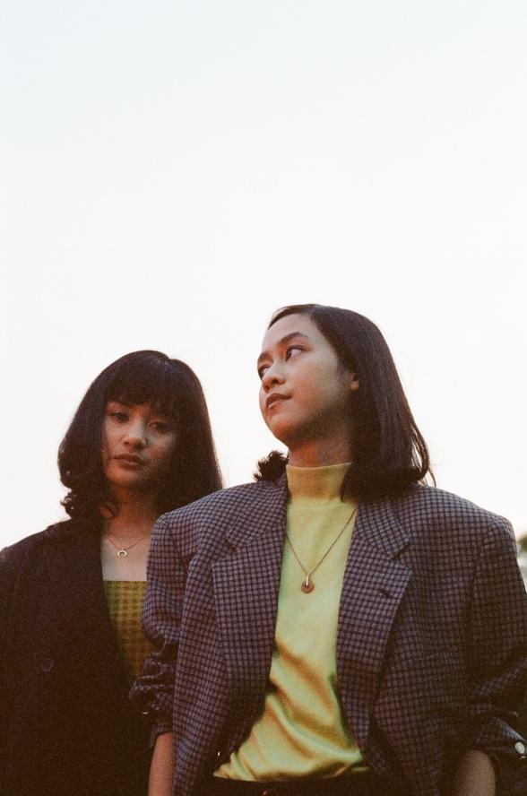 RL KLAV membuka serangkaian rilis album perdana lewat single bertajuk Rainbow