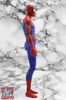 MAFEX Spider-Man (Peter B Parker) 17