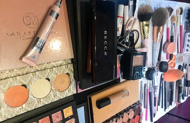 AMYSMAKEUPBOX Makeup Kit
