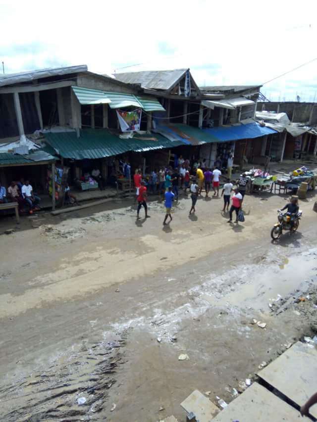 IPOB sit at home order: Ariaria Intl Market in Aba turned into football stadium