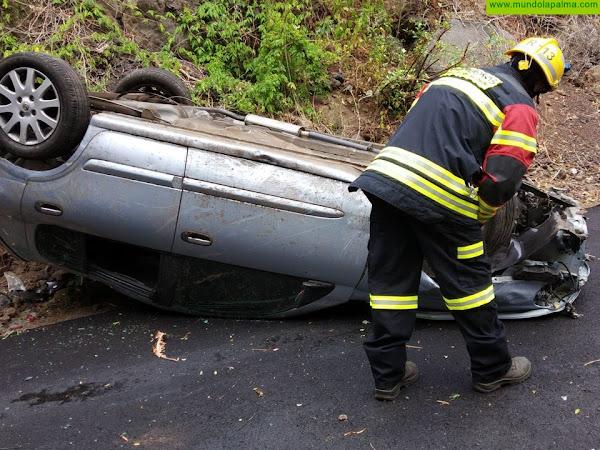Un vehículo se sale de la vía en Mirca