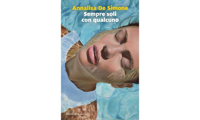 """Annalisa De Simone, copertina di """"Sempre soli con qualcuno"""""""