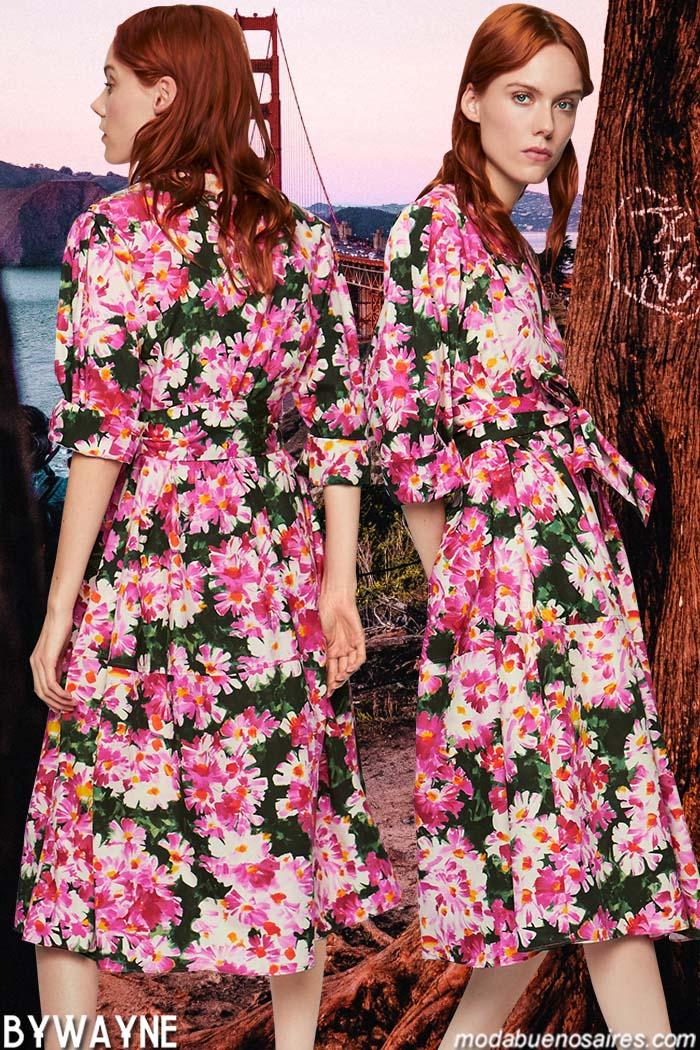 Vestidos primavera verano 2020. Tendencias de moda primavera verano 2020 vestidos estampados con flores de colores.