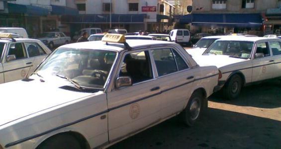 منع الطاكسيات من التنقل بين مناطق سوس ماسة وكلميم وادنون يؤجج غضب المهنيين و المواطنين.