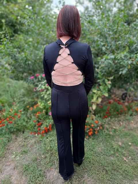 https://femmeluxe.co.uk/black-high-neck-long-sleeve-crop-top-high-waisted-trousers-seam-detail-co-ord-selah