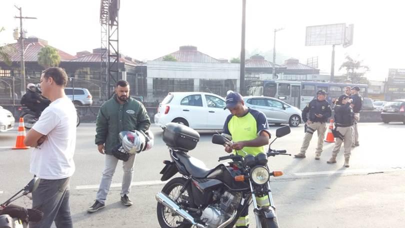 Arteris Régis Bittencourt promove ações educativas na Semana Nacional do Trânsito