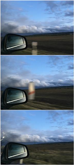 Wolken aus dem Auto heraus gesehen
