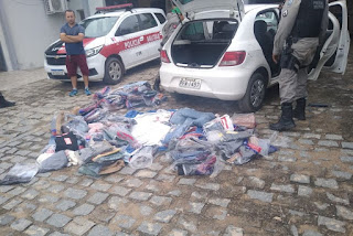Polícia prende trio suspeito de roubar loja de roupas