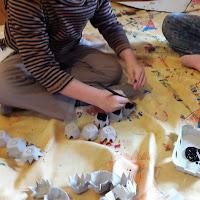 diy atelier activité enfant bricolage halloween chauve souris peinture facile susp