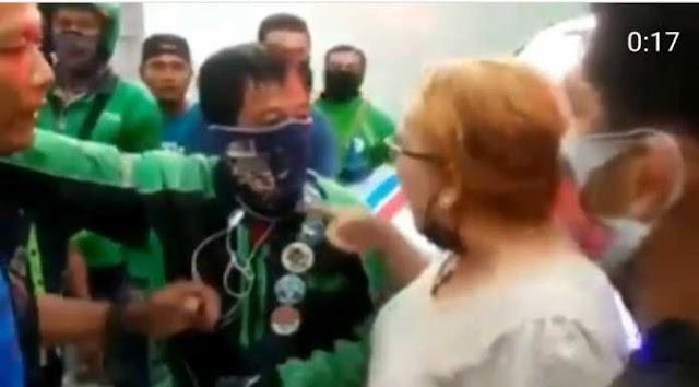Viral Wanita Pemobil Ngamuk dan Diduga Ludahi Driver Ojol, Ogah Biarkan Ambulans Lewat