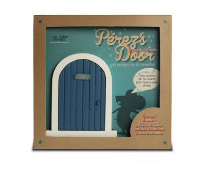 puerta del Ratón Perez con libro