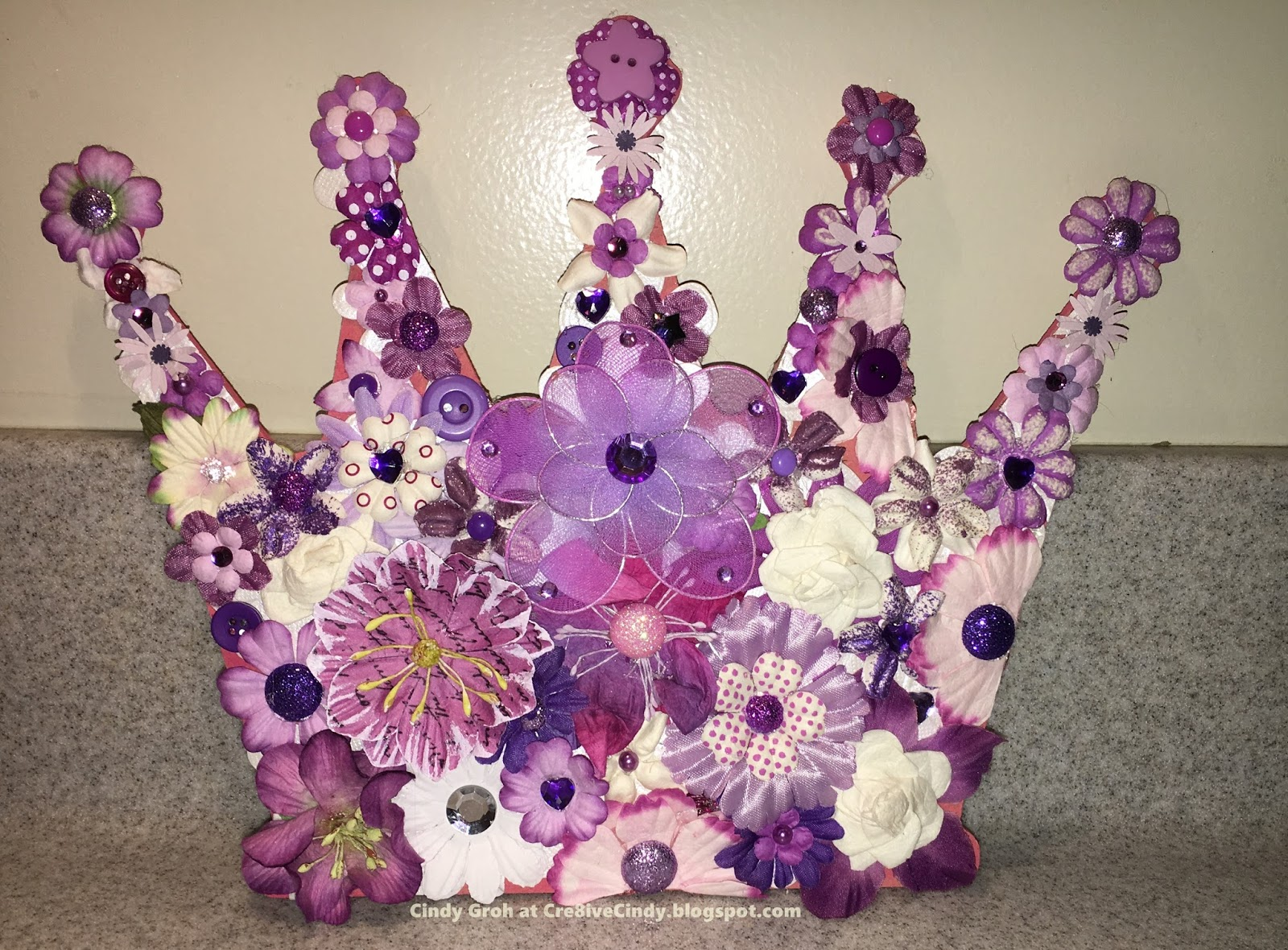 foto de Cre8iveCindy: A Crown for the Purple Queen