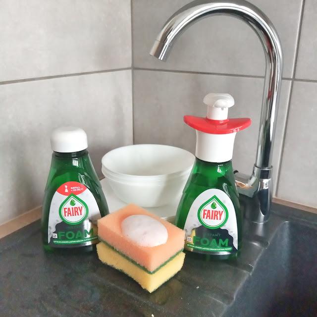 Fairy Instant Foam pianka do mycia naczyńa