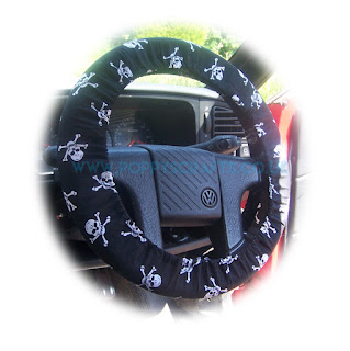 Skull and Crossbones cotton steering wheel cover - Poppys Crafts