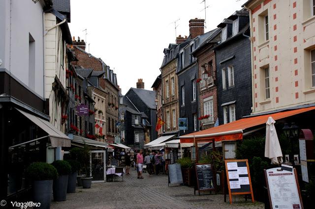 Vie del centro storico di Honfleur