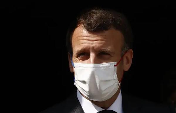 Déconfinement : Emmanuel Macron compte toujours rouvrir des musées et des terrasses à partir de la mi-mai