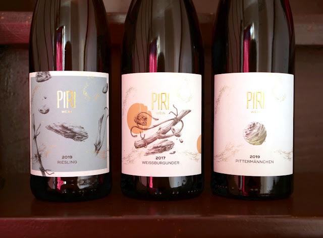 Weine aus der dreistufigen PIRI Wein Kollektion.