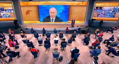 """Путин пообещал расширить поддержку """"республик"""" ОРДЛО"""