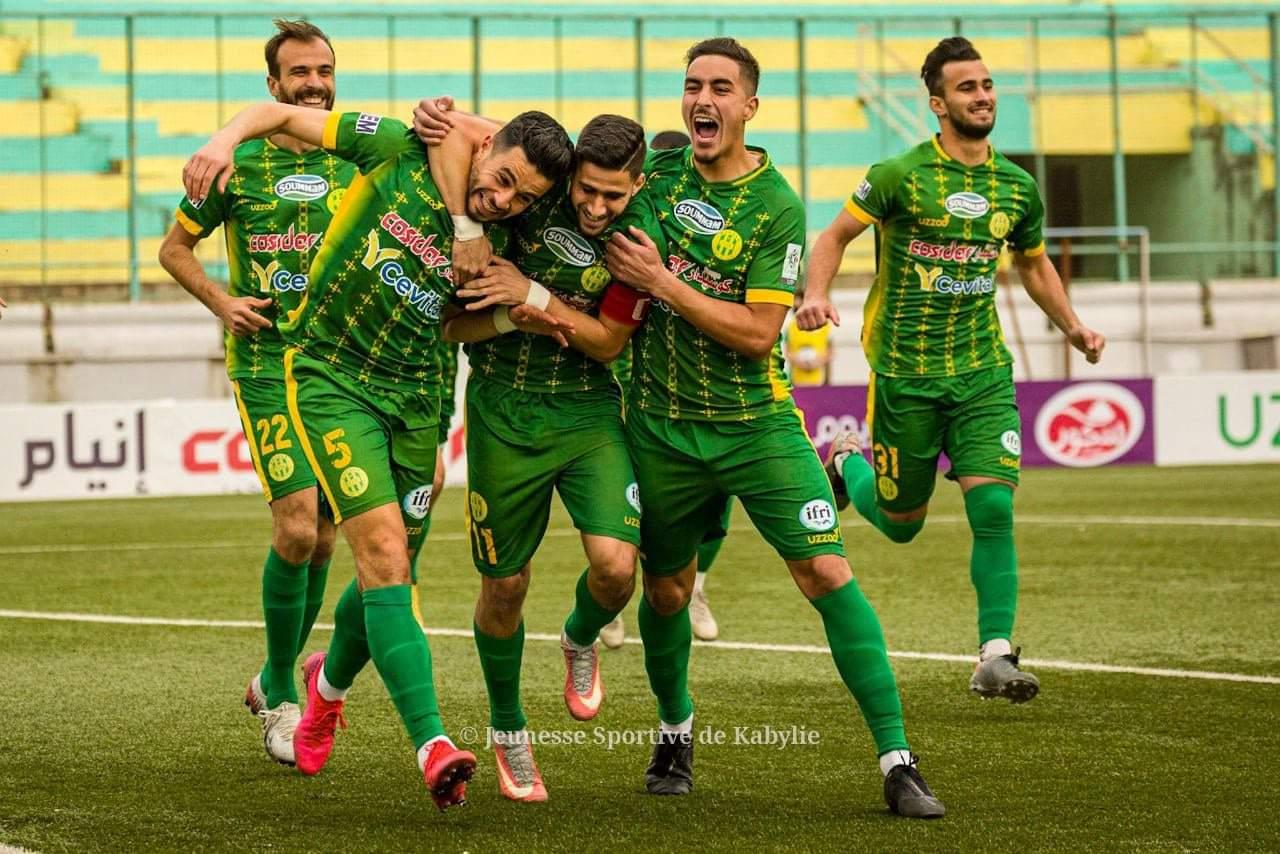 كأس الكونفدرالية الإفريقية : شبيبة القبائل تتأهل إلى دور المجموعات بعد فوزها على الملعب المالي