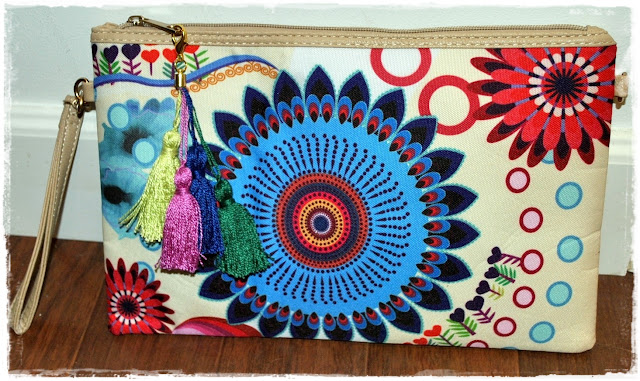 DIY Clutch con borlas