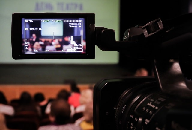 how to find best video production company business videographer needs filming editing