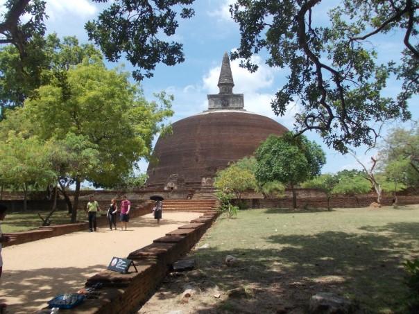 Wni Dapatkan Akomodasi Gratis Biaya Visa Sri Lanka