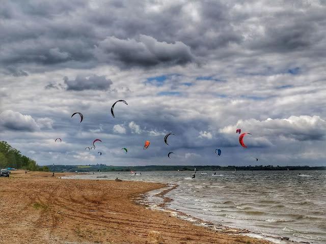 Zalew w Mietkowie kitesurfing okolice Wrocławia gdzie jechać?