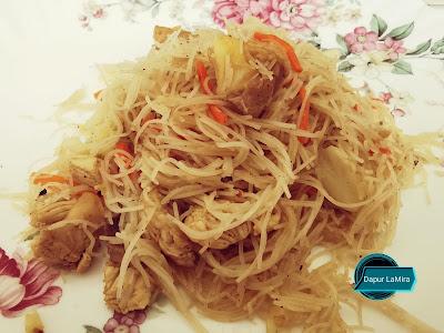 Bihun goreng Singapore