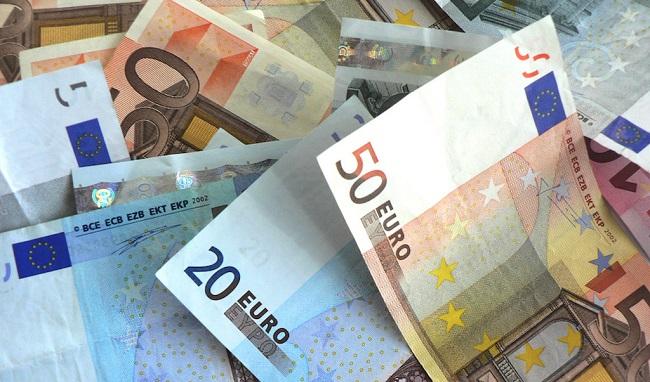 Ποιοι θα δουν χρήματα στους λογαριασμούς τους πριν τις ευρωεκλογές