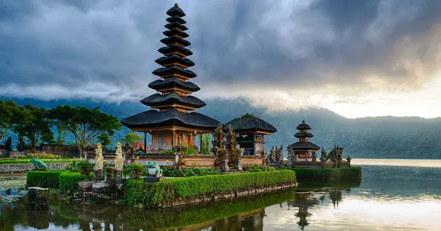 Mengunjungi Pura Bali Yang Indah, Tempat Ibadah Bali, santuytimes.com,